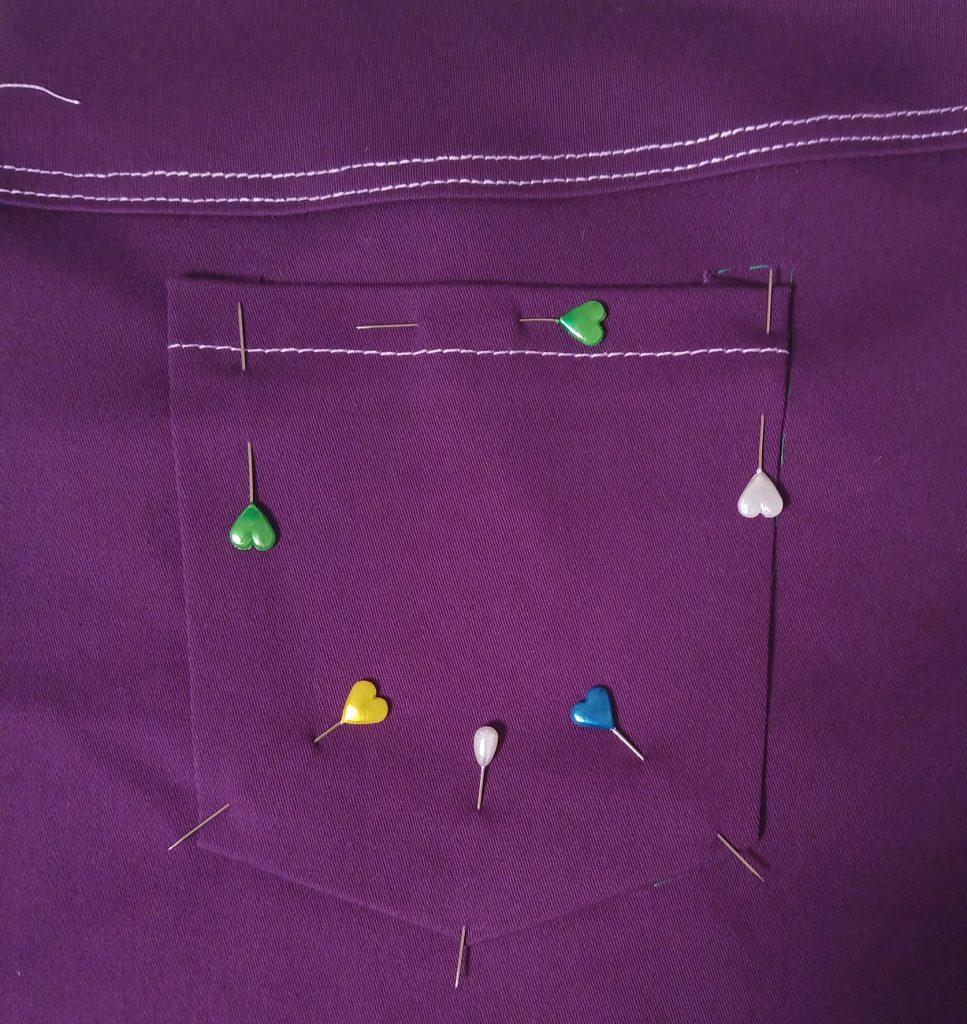Eine Lila Hose Im Kleiderschrank Kleider Für Julia